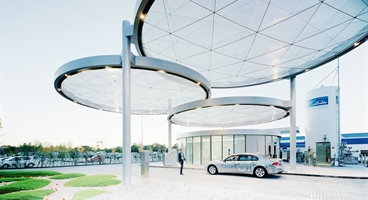 Linde Hydrogen filling station in Unterschleissheim, Germany.  Shooting Annual report 2006