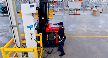 BMW Manufacturing - Plant Spartanburg:  Operator fueling a H2 forklift at BMW's assembly shop.
